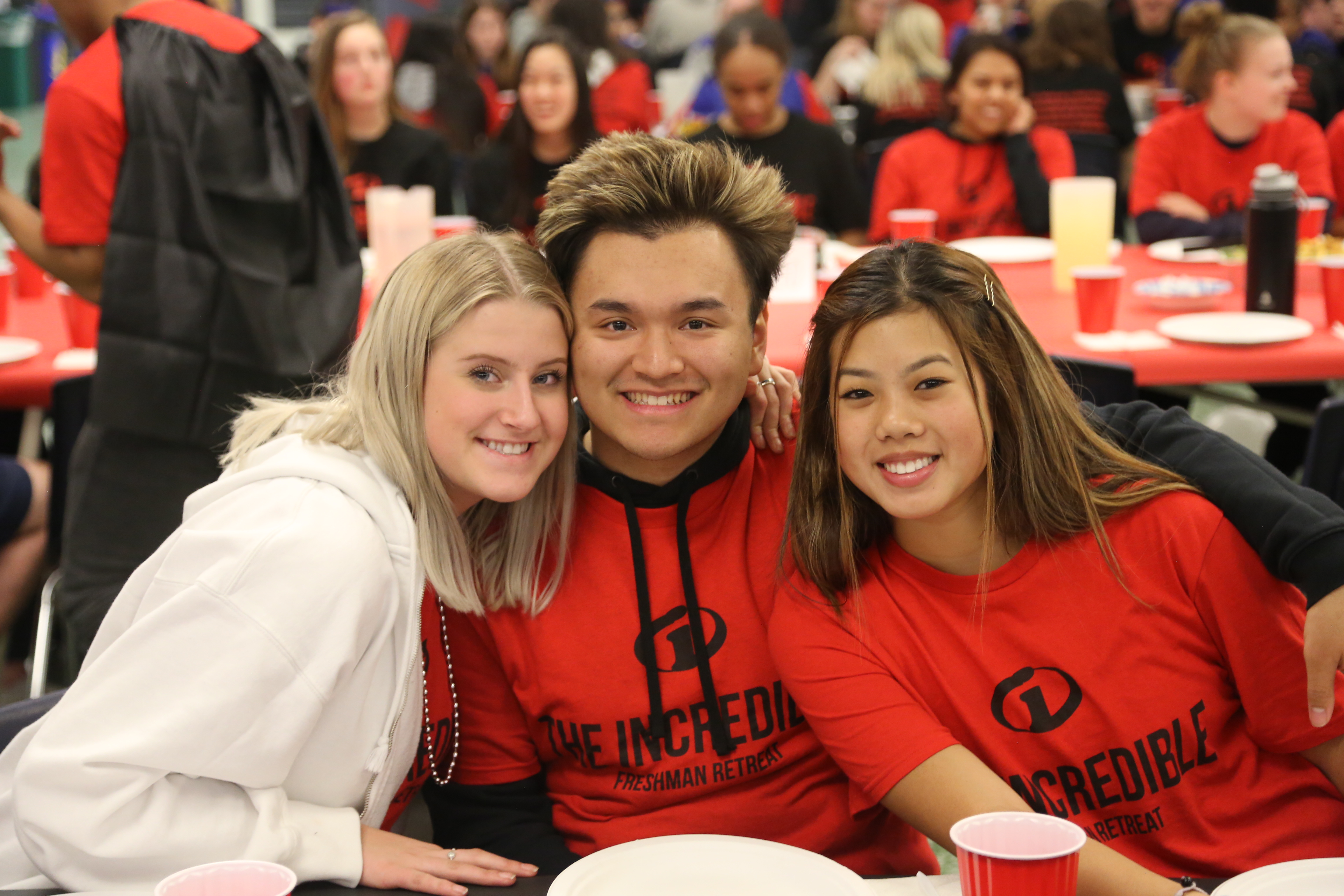 Students Serve, Learn, and Play at This Year's Freshman Retreat